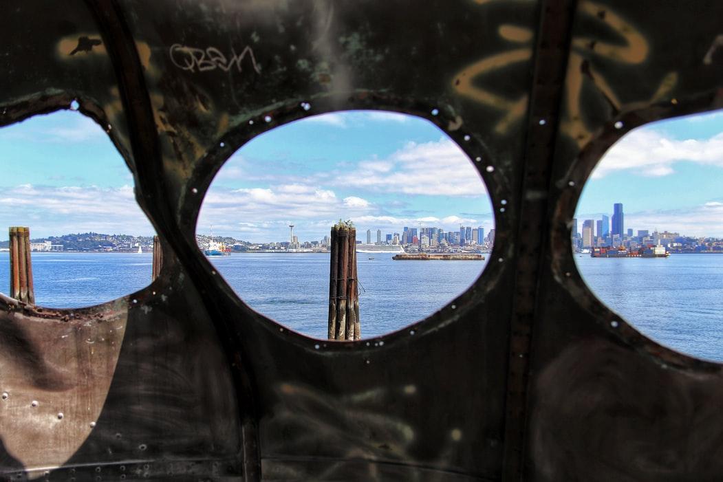 Alki Beach & Seattle skyline view from Unsplash (1)