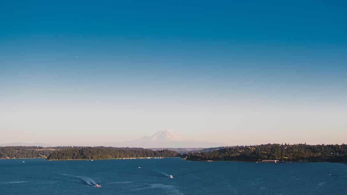 Lake Washington & Mt. Rainier in distance WIIN